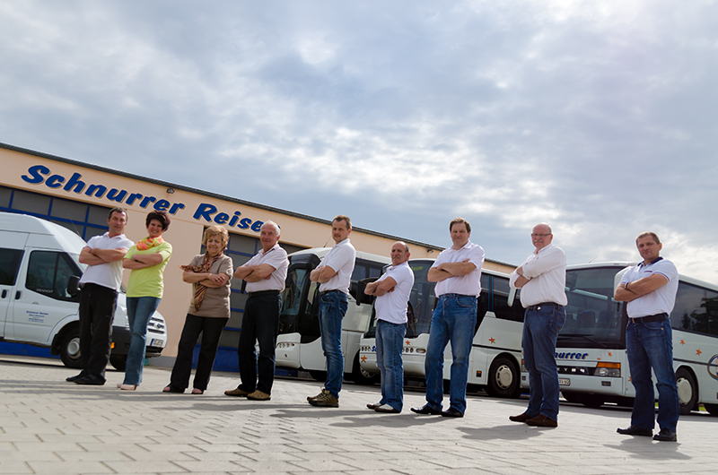 Chartern Sie einen unserer Busse